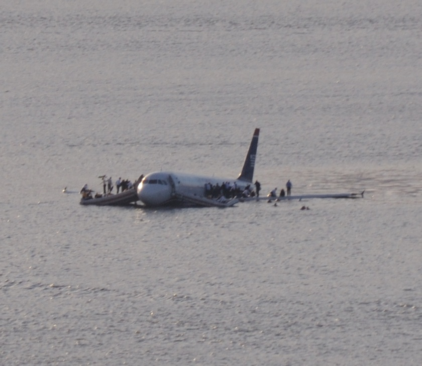 plane_crash_into_hudson_rivercroped
