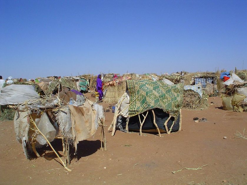 1024px-Darfur_IDPs_1_camp